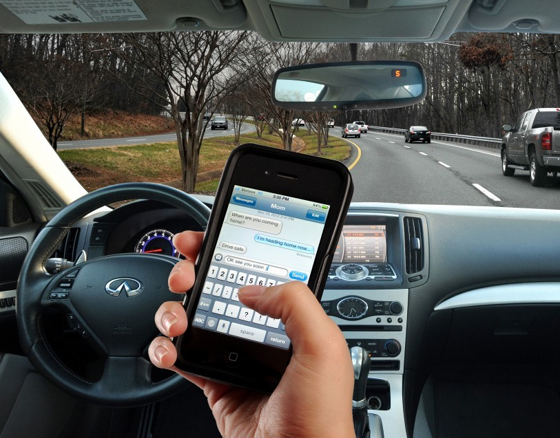 texting and driving texting and driving 5 Ways to Successfully Master Texting and Driving txtndrv